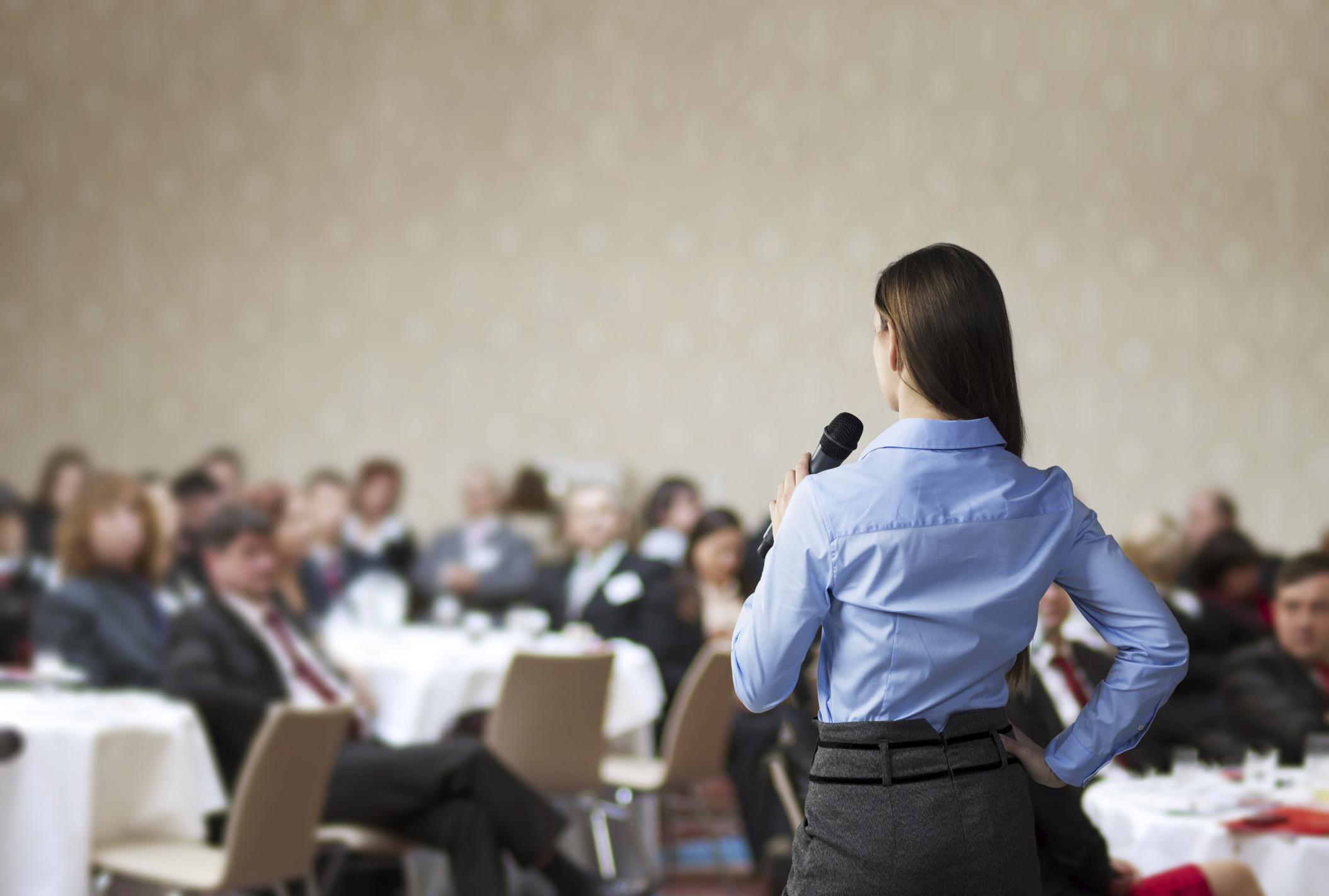 Cinco secretos para hablar tranquilo en público